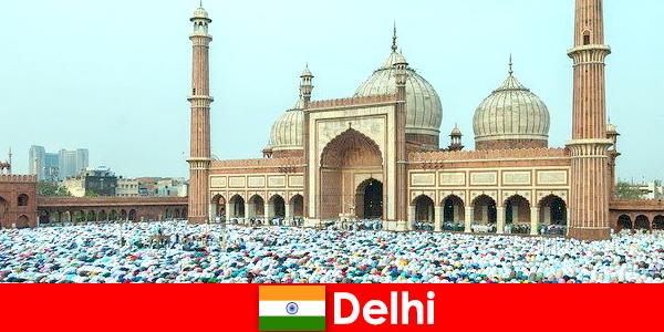 Delhi en metropol i det nordlige Indien karakteriseret ved verdensberømte muslimske bygninger