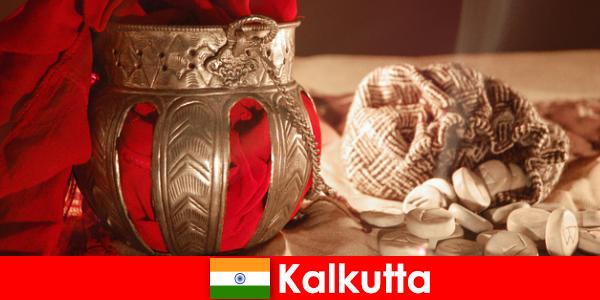 Monumenter og templer overbevise nye besøgende med deres skønheder Kolkata