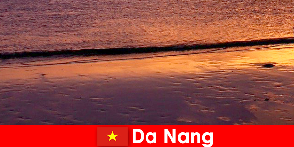 Da Nang er en kystby i det centrale Vietnam og er populært for sine sandstrande