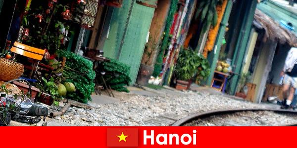 Hanoi er Vietnams fascinerende hovedstad med smalle gader og sporvogne