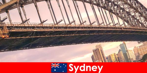 Sydney med sine broer er en meget populær destination for Australien rejsende