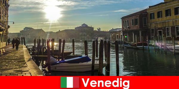Besøgende oplever Venedigs historie på en tur tæt på