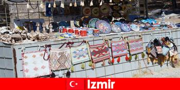 Spadseretur oplevelse for fremmede i basardistrikterne i Izmir Tyrkiet