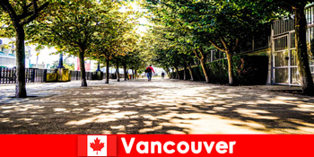 Canada Vancouver's byguider ledsager feriegæster i udlandet i lokale hjørner