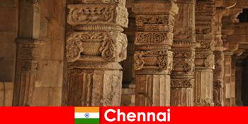 Udlændinge besøger Chennai Indien for at se de storslåede farverige templer
