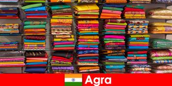 Tour grupper fra udlandet købe billige silkestoffer i Agra Indien