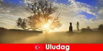 Vandreferiegæster nyder den smukke natur i Uludag Tyrkiet